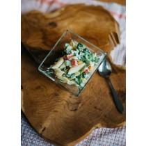 Pastasalade vers met paprika,rucola ,komkommer ,pasta en kaasdressing  100 gram