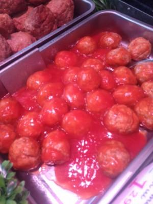 Snackballetjes in saus. Kant en Klaar per 100 gram